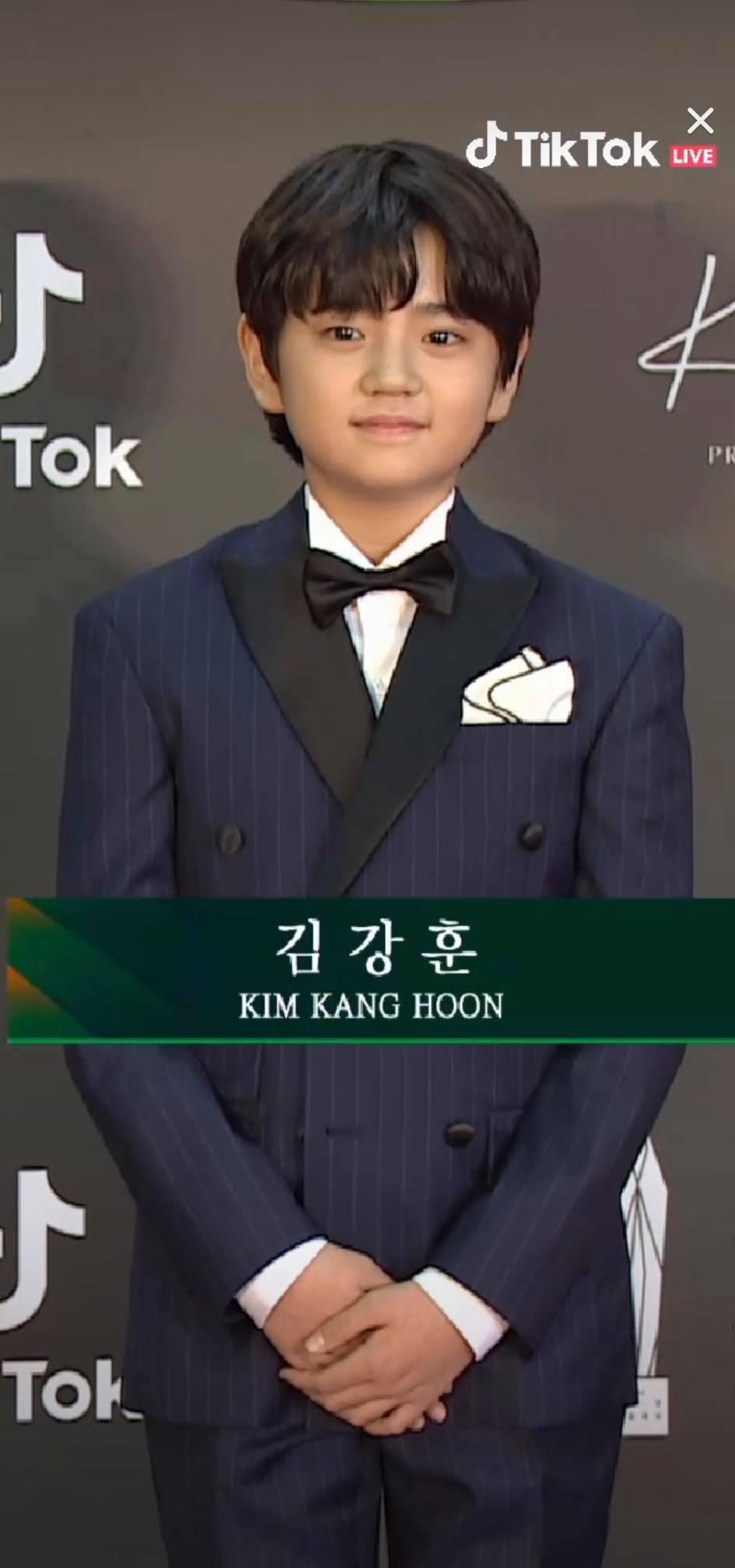 Nam diễn viên nhí trong Khi hoa trà nở - Kim Kang Hoon