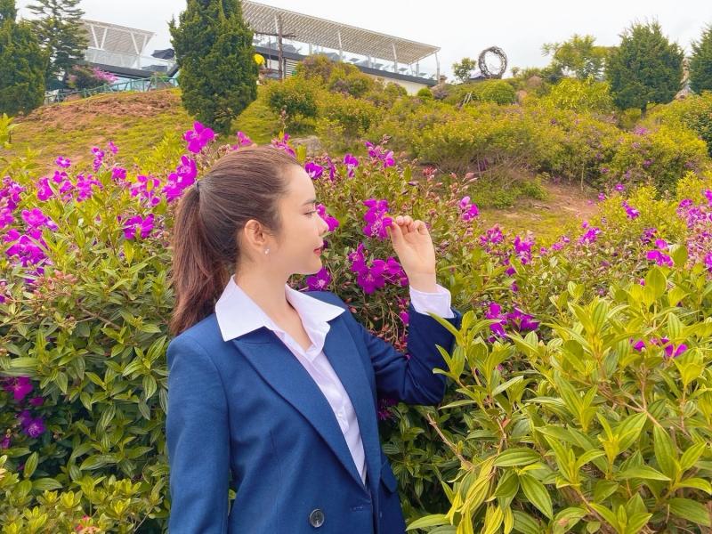 Huỳnh Vy cùng mẹ đi du lịch Đà Lạt, đọ sắc cùng ngàn hoa 4