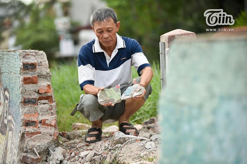 10 năm phơi mình đón nắng mưa Hà Nội, người dân cũng có không ít kỷ niệmvới bức tường này.