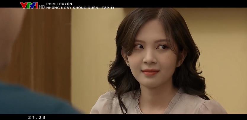 Nhận ra Jun ghen tị Dương chỉ gắp thức ăn cho Bảo, cô đã gắp thêm thức ăn cho Jun nhưng nhận về một ánh nhìn không hề tốt đẹp chút nào.