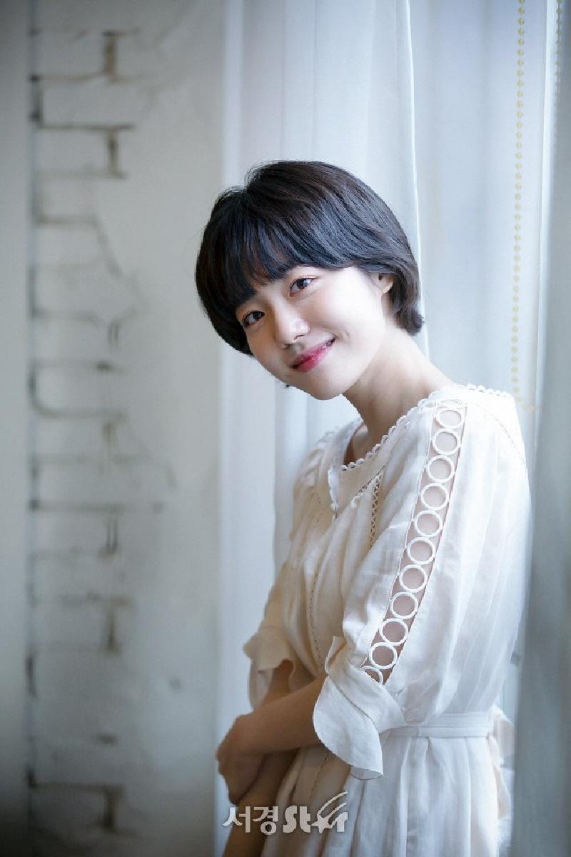 Top 10 mỹ nhân Kpop chứng minh 'lụa đẹp vì người', mặc đơn giản đến đâu cũng thần thái ngút ngàn 4