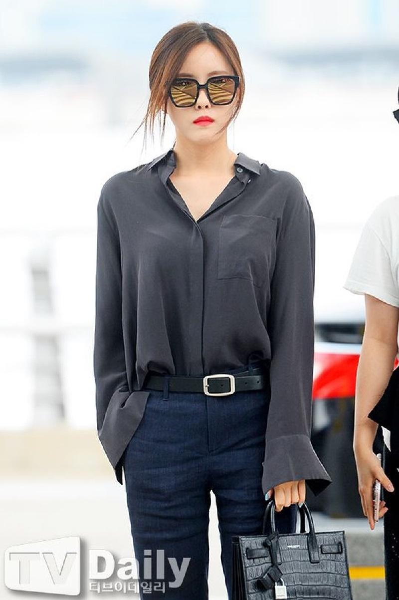 Top 10 mỹ nhân Kpop chứng minh 'lụa đẹp vì người', mặc đơn giản đến đâu cũng thần thái ngút ngàn 52
