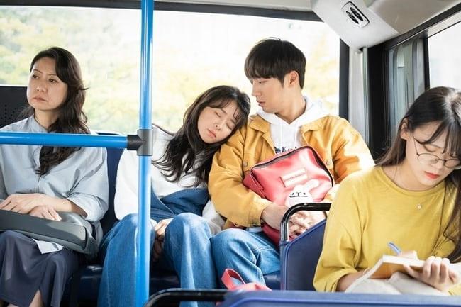 Phản ứng hóa học hấp dẫncủa Lee Sang Yeob và Choi Kang Hee trong phim.