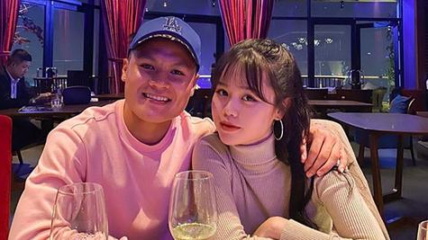 Bạn gái Quang Hải hát 'Tôi không quan tâm', khoe thần thái xinh đẹp và tự tin 0