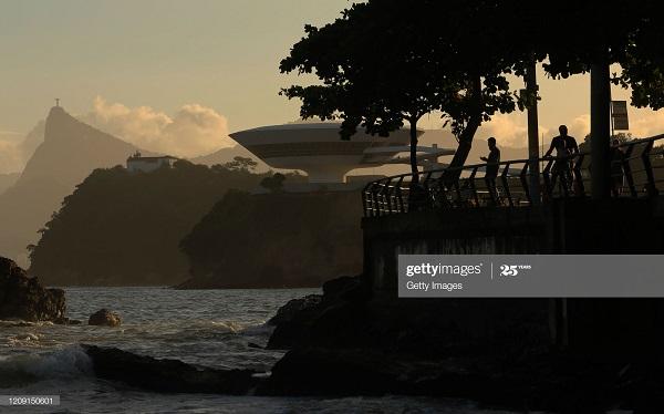 Nhiều địa phương ở Brazil đã bắt đầu gỡ bỏ lệnh giãn cách cho dù số người nhiễm bệnh vẫn tăng lên từng ngày.