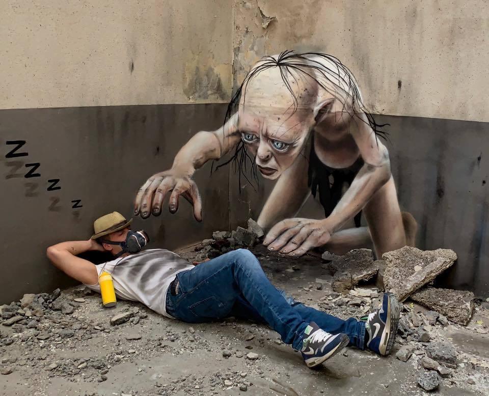 'Quái vật' ghê rợn tấn công giấc ngủ của người nghệ sĩ trên đường phố Pháp