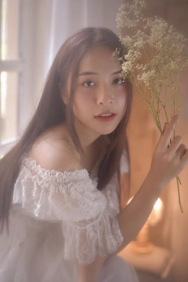 Nhìn hơi nhỏ con nhưng Trần Vân từng đoạt Á khôi cuộc thi Hoa khôi thời trang Việt Nam 2019.