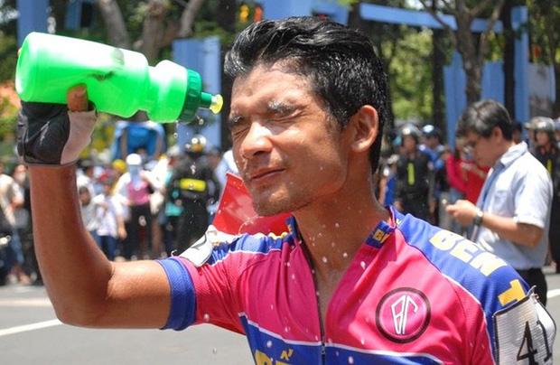 VĐV đua xe đạp Nguyễn Quốc Đỉnh sinh năm 1992 ở Bến Tre.