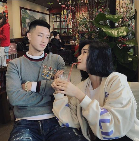 Khoảnh khắc tình bể bình của tiền vệ Huy Hùng và vợ sắp cưới xinh như hotgirl 4