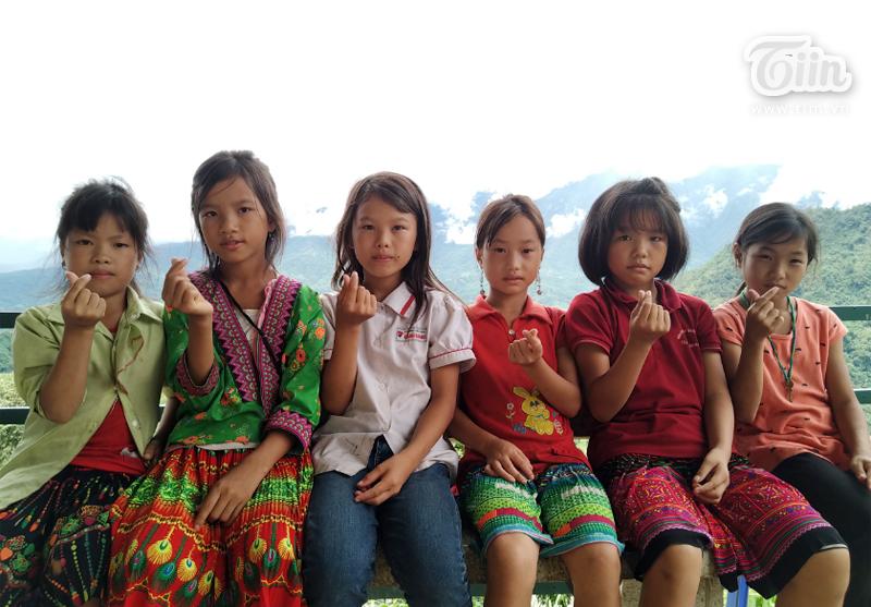 Những học sinh Nậm Manh yêu đời và yêu trường học
