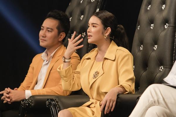 Xứng danh 'sao nữ đại gia' của showbiz Việt, Lý Nhã Kỳ diện 'cây vàng' trong gameshow, nổi bần bật với đồng hồ 'đắt xắt ra miếng' 0