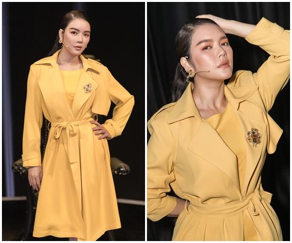 Xứng danh 'sao nữ đại gia' của showbiz Việt, Lý Nhã Kỳ diện 'cây vàng' trong gameshow, nổi bần bật với đồng hồ 'đắt xắt ra miếng' 4