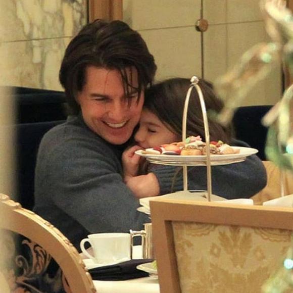 Tom Cruise nhiều năm không gặp gỡ con gái Suri.