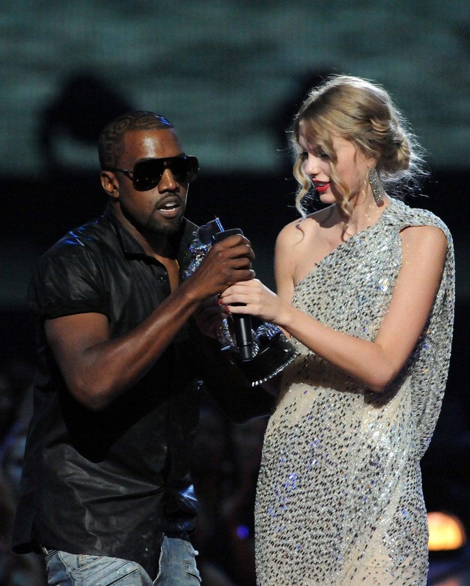 Kanye West -Taylor Swift có mối thù sâu đậm.