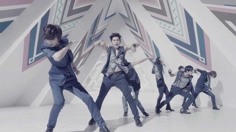Bài hát của Jin (BTS) lọt top '75 ca khúc bất hủ mọi thời đại của boygroup', vượt cả SHINee, Big Bang 0