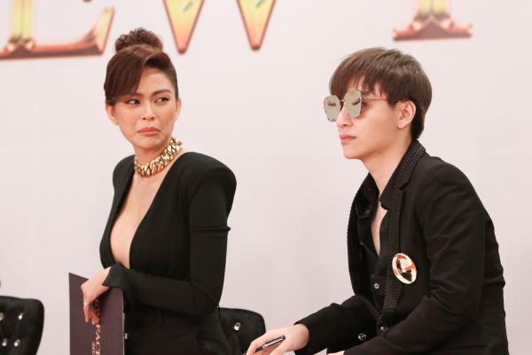 Lâm Khánh Chi đeo trang sức 50 tỷ đồng,lần đầu catwalk thị phạm cho thí sinh 7
