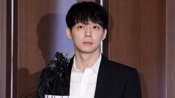 Scandal đã nhấn chìm Park Yoochun