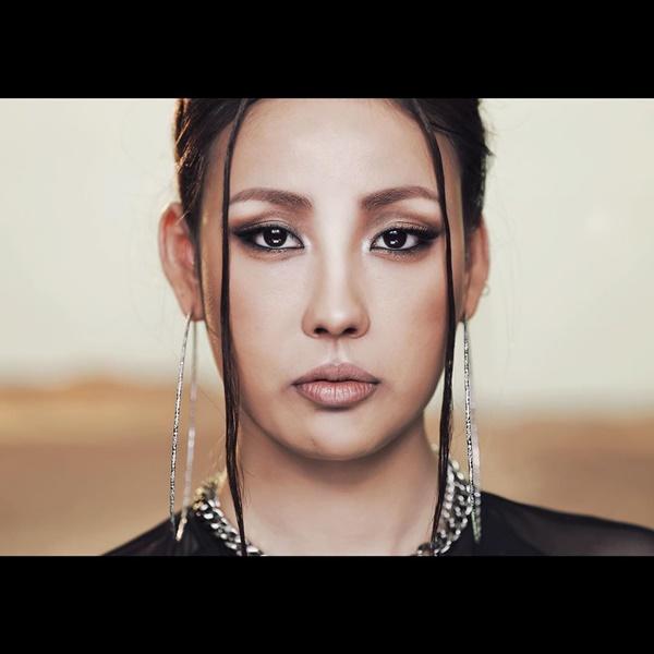 'Dụi mắt 7 lần'mới có thể nhìn ra Lee Hyori 'fake', quả là bàn tay 'phù thủy makeup'không đùa được đâu! 3