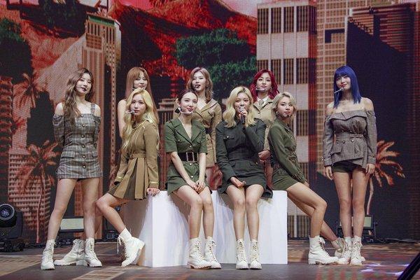 Jeongyeon (TWICE) sẽ không thể cùng đồng đội tham dự lễ trao giải2020 Soribada Best K-Music Awards.