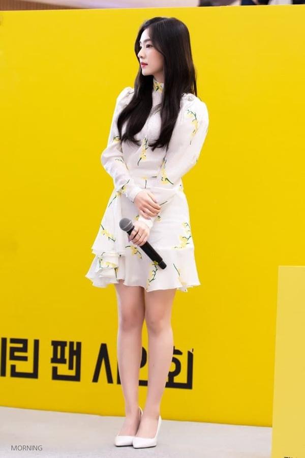 Bí quyết mặc đẹp tuổi 30 từ nữ thần Kpop Irene (Red Velvet) 19
