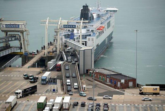 Những người Anh may mắn trở về từ Pháp vào Cảng Dover
