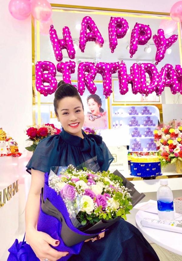 Nhật Kim Anh hé lộ sự thật đằng sau món quà sinh nhật 2 tỷ được bạn bè tặng 0