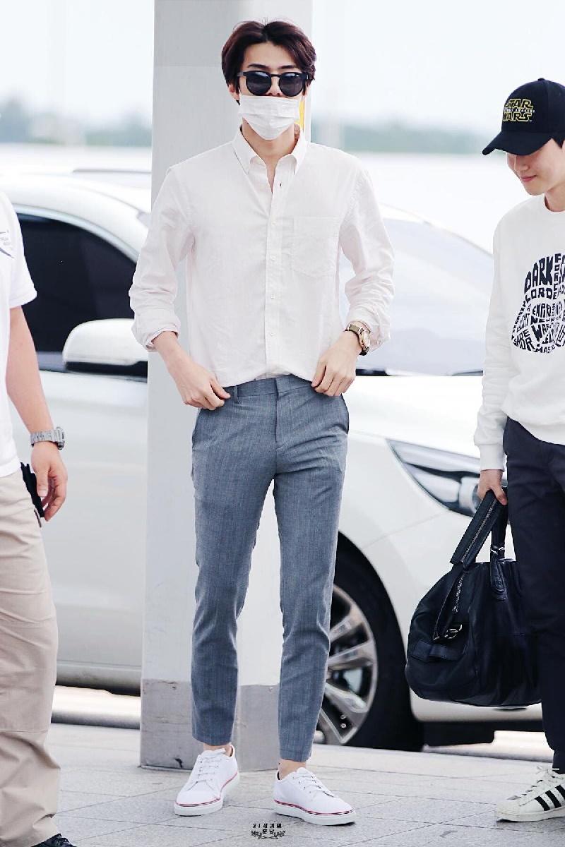 Top 4 nam thần tượng Kpop có thân hình đẹp nhất ngoài đời: Sehun (EXO) hệt như nam chính truyện tranh 0