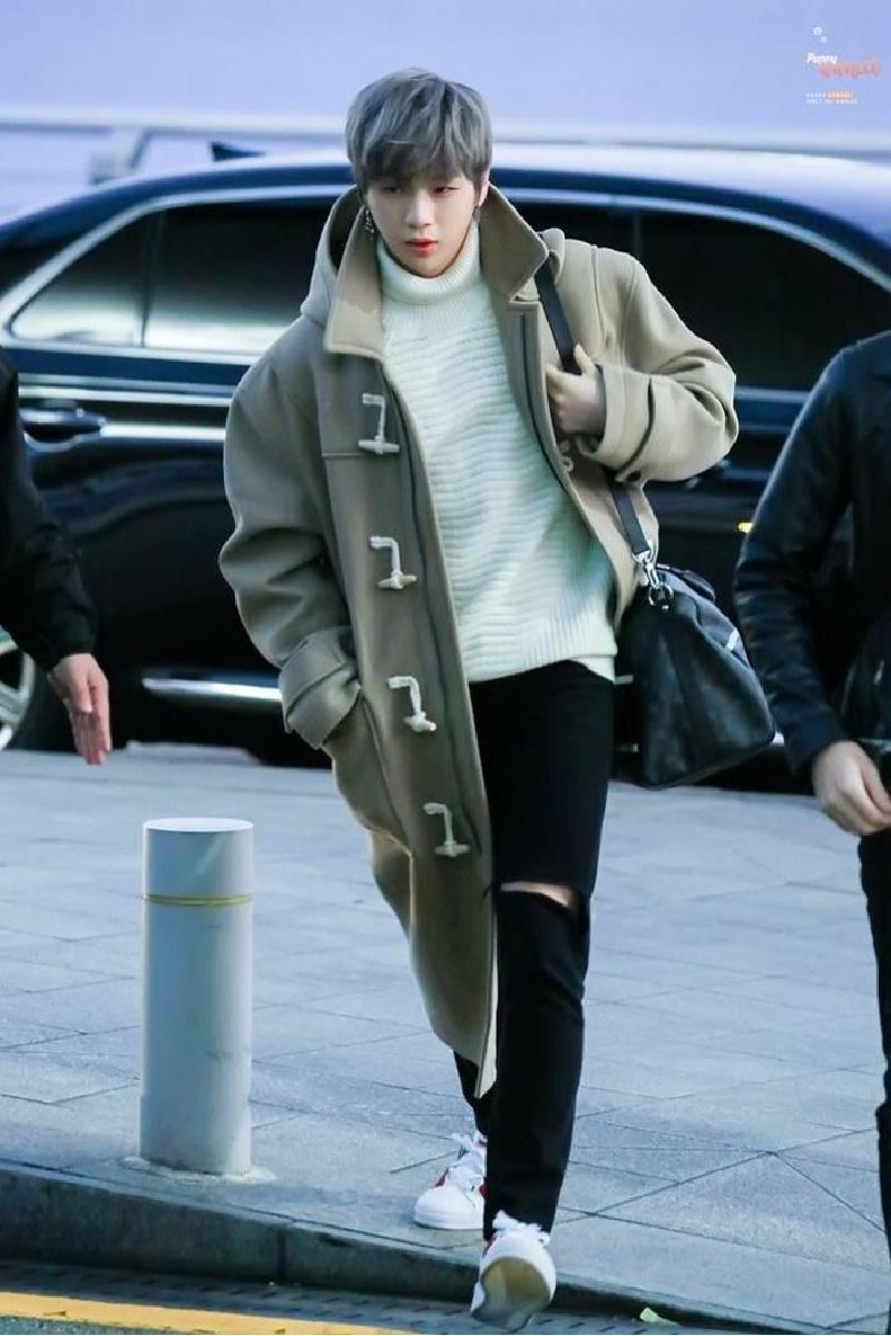 Top 4 nam thần tượng Kpop có thân hình đẹp nhất ngoài đời: Sehun (EXO) hệt như nam chính truyện tranh 17