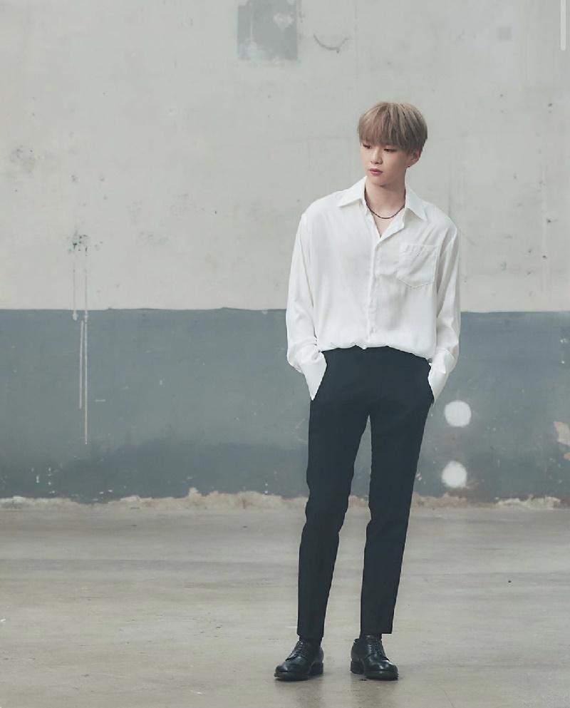 Top 4 nam thần tượng Kpop có thân hình đẹp nhất ngoài đời: Sehun (EXO) hệt như nam chính truyện tranh 18