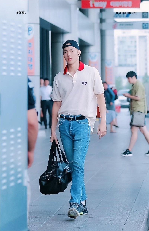 Top 4 nam thần tượng Kpop có thân hình đẹp nhất ngoài đời: Sehun (EXO) hệt như nam chính truyện tranh 24
