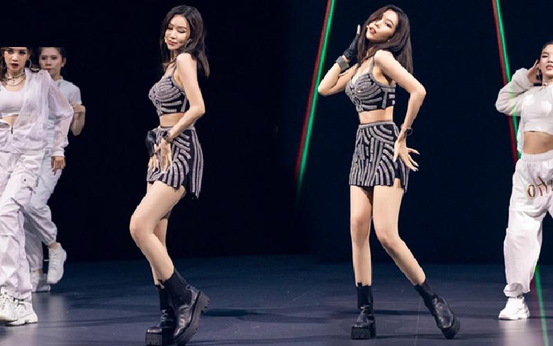Min cũng phối set đồ nàyvới một đôi boots đen hệt như cách mà 'búp bê người Thái' đã làm.