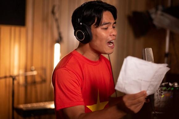Ca sĩ Ngọc Khuê và hơn 50 nghệ sĩ Hà Nội cùng hát 'Ngày mai lại tươi sáng', tiếp thêm niềm tin cho Đà Nẵng, Quảng Ngãi và cả dân tộc Việt Nam 5