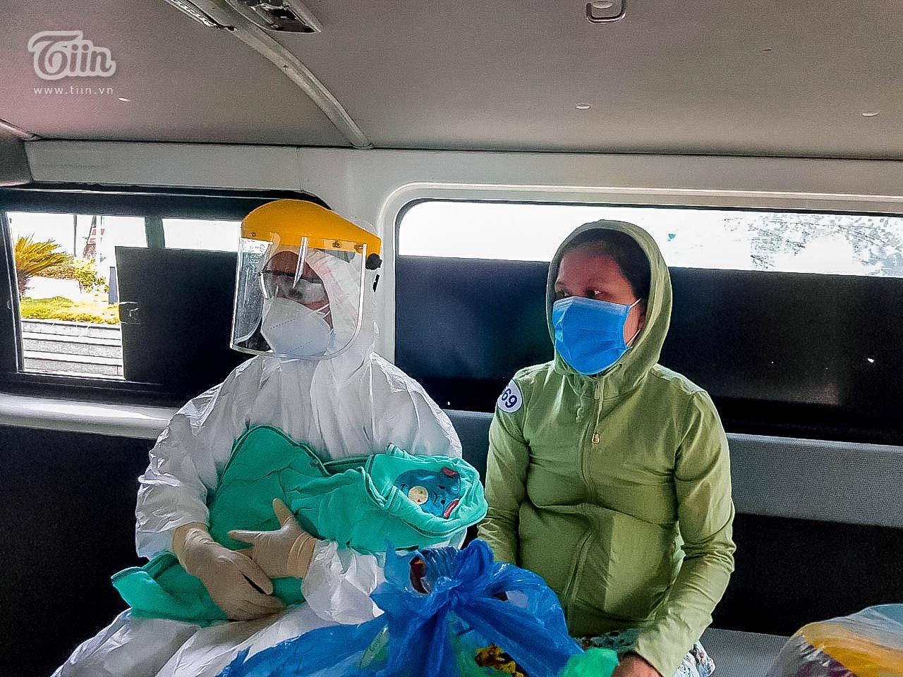 Thêm 16 bệnh nhân Covid-19 ở Đà Nẵng khỏi bệnh, sản phụ nhiễm bệnh đã xuất viện cùng con 5