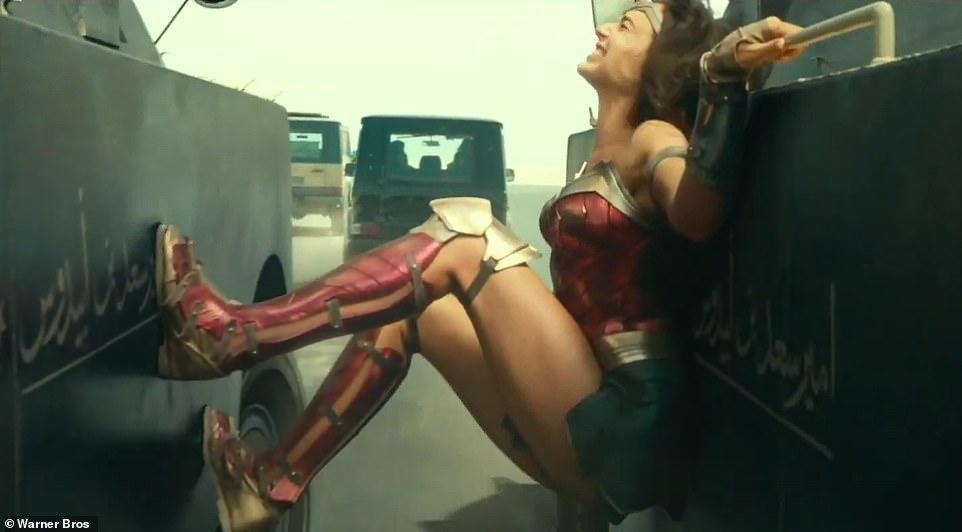 'Wonder Woman 1984' phát hành trailer mới, đối thủ của Gal Gadot là ai? 4