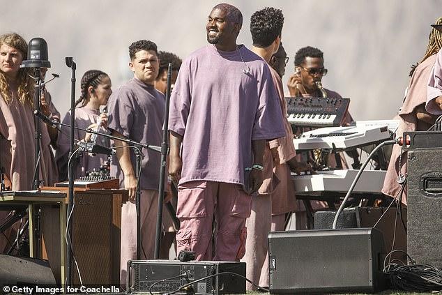 Các thiết bị điện tử, công nghệ của đối tác đã bị nam rapper 'dùng chùa' trong 6 tháng.