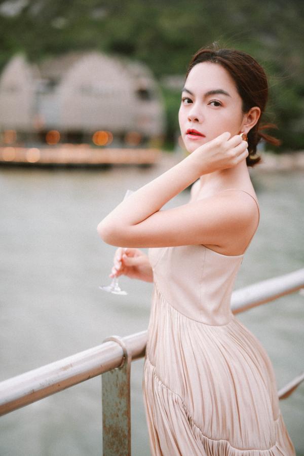Phạm Quỳnh Anh khẳng định: 'Không muốn nhìn quá khứ một cách hằn học, có thể làm bạn với người đến sau' 0