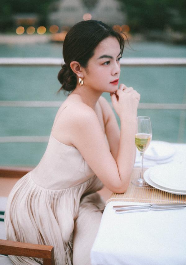 Phạm Quỳnh Anh khẳng định: 'Không muốn nhìn quá khứ một cách hằn học, có thể làm bạn với người đến sau' 1