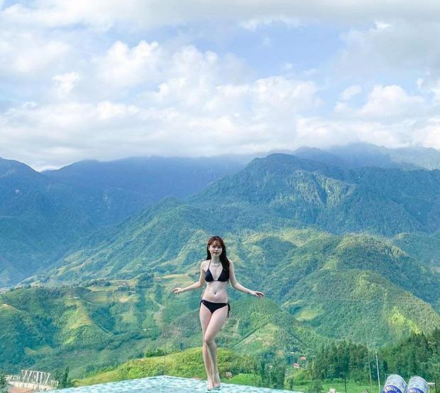 Huỳnh Anh khoe trọn 3 vòng trong bộ đồ bikini 2 mảnh sexy.