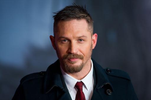 Sao Hollywood làm người hùng đời thực: Tom Holland giúp fan thoát hiểm, Benedict Cumberbatch cứu người bị đánh hội đồng 4