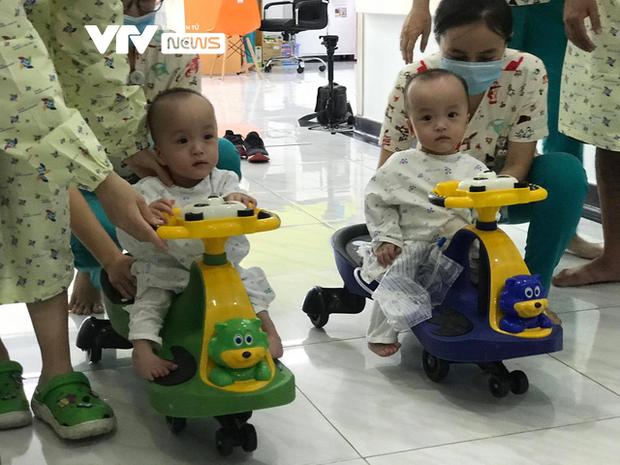 Chị em Song Nhi rủ nhau 'đua xe', bắt đầu những bài học đầu tiên 1