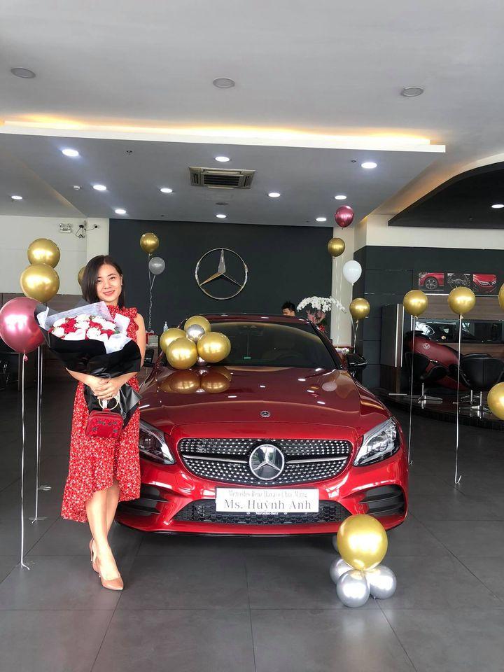 Trung Tấn tặng vợ chiếc xe 2 tỷ để thể hiện sự lãng mạn như vợ mong muốn.