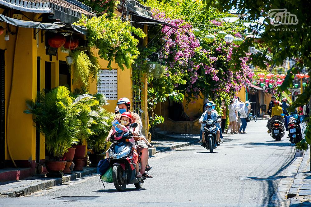 Hiện tại theo ghi nhận, xe máy được phép di chuyển ở trung tâm phố cổ.
