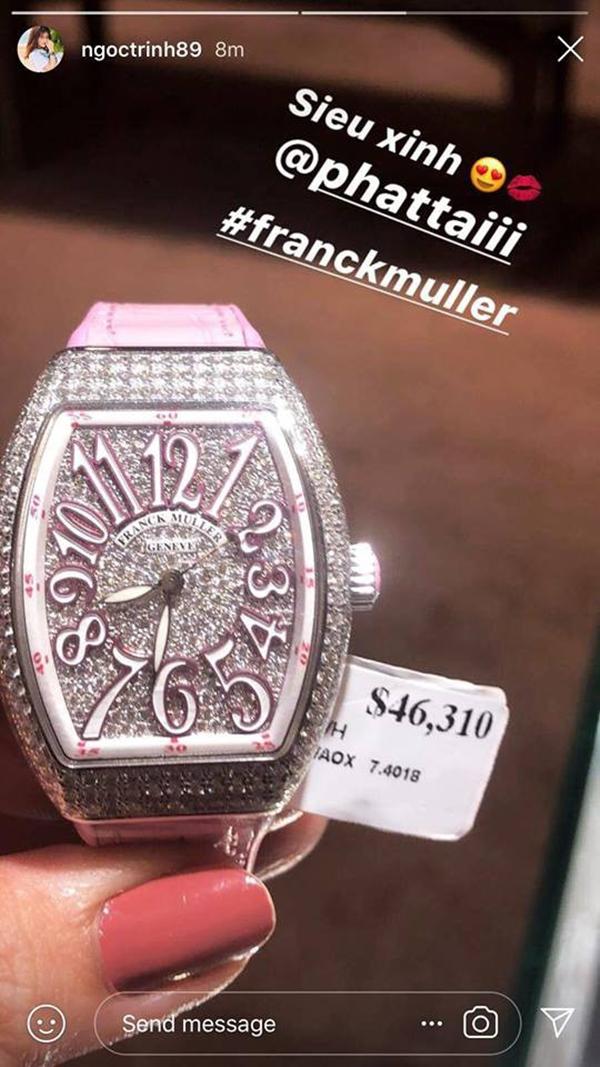 Chiếc đồng hồ hồng xinh xắncủa Franck Muller cógiá hơn 1 tỷ đồng.