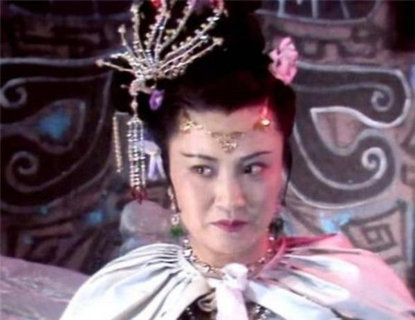 'Bạch Cốt Tinh' nổi tiếng nhất màn ảnh: Lúc trẻ bị lừa đóng 'Tây Du Ký', đến 77 tuổi vẫn không thể nguôi cơn giận 7