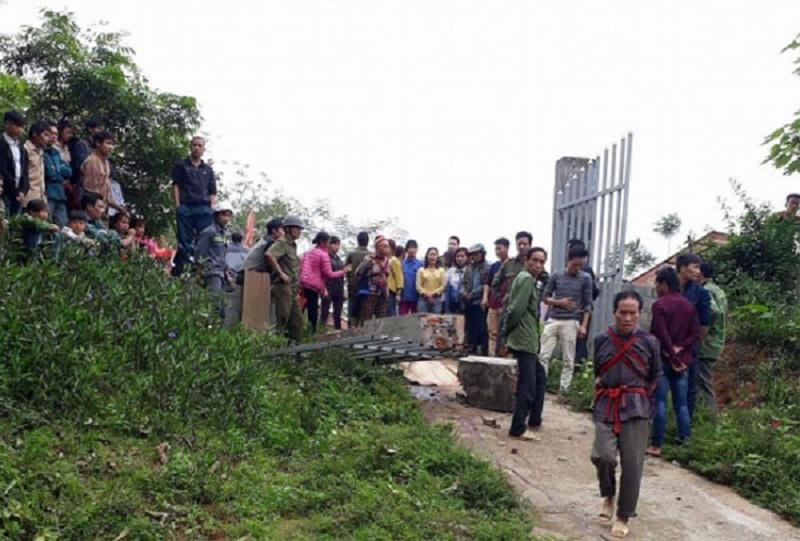 Hiện trường thương tâm vụ đổ sập cổng trường mầm non ở Lào Cai khiến 3 học sinh tử vong 1