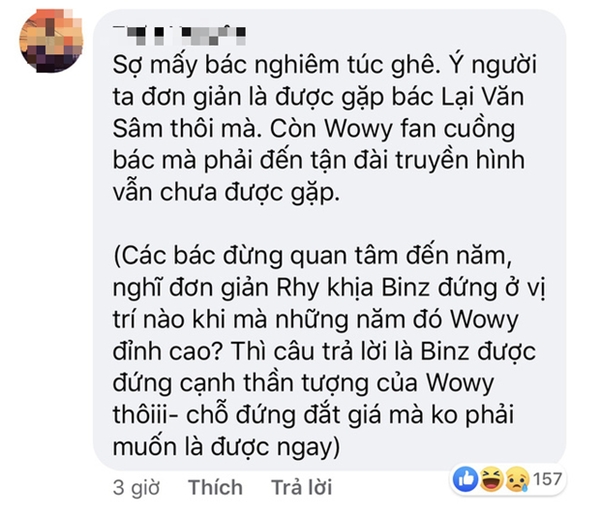 Trong khi Wowy phải cất công bay ra Hà Nội nhưng không gặp thần tượng thì Binz đã được MC Lại Văn Sâm choàng vai rồi này! 6