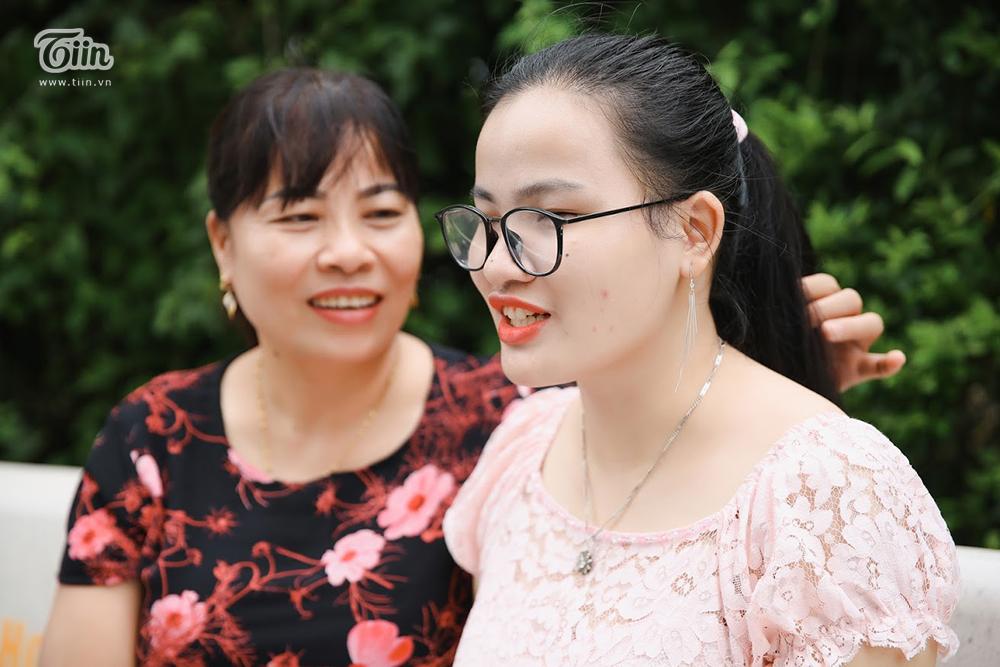 Cô gái khiếm thị giành học bổng 1,5 tỷ, 21 tuổi xuất bản sách: 'Tạo hóa không sinh ra chúng ta để sống cuộc đời vô nghĩa' 1