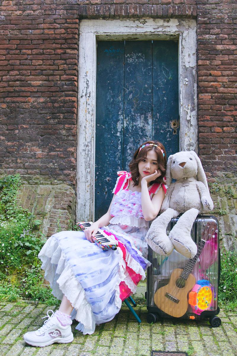 Hơn một tháng sau 'Khác biệt to lớn', Liz Kim Cương lại hé lộ MV mới cùng Trịnh Thăng Bình khiến dân tình 'đứng ngồi không yên' 0
