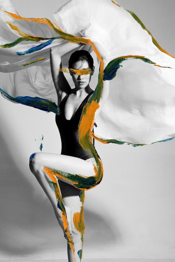 Hoa hậu Khánh Vân xuất hiện khác lạ trên tạp chí thời trang quốc tế 6
