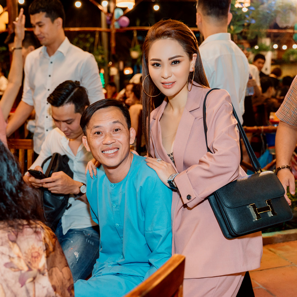 Hoài Linh cùng con gái nuôi Ánh Linh